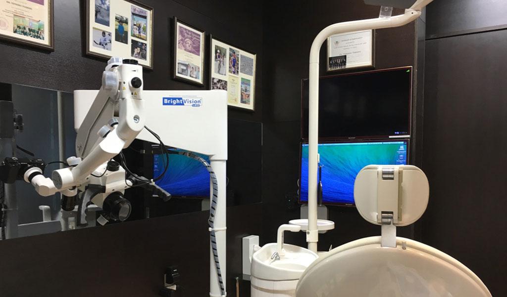 診療室のマイクロスコープ